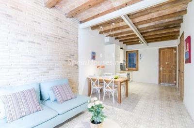 For Sale: Fully Renovated 2 Bedroom Apartment in Barcelona city