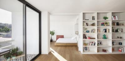 Apartment Renovation in Barcelona by Roman Izquierdo Bouldstridge
