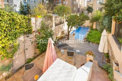 For Sale: Terraced house in the heart of Barcelona city