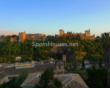 For Sale: House in Granada with unbeatable views to the Alhambra