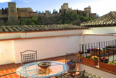 For sale: 3 bedroom house in Granada city with views over the Alhambra